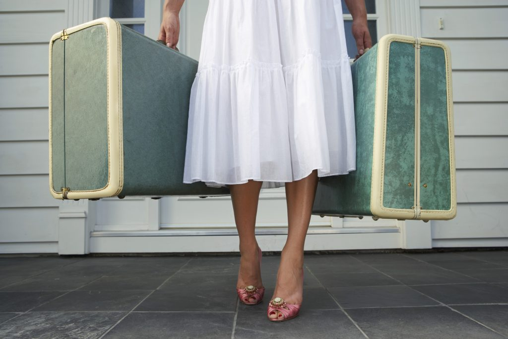 Services to book a luggage storage