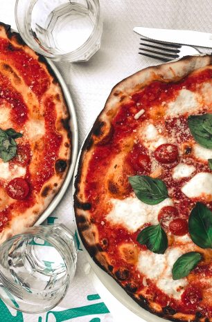 6 essential places to eat pizza in Naples