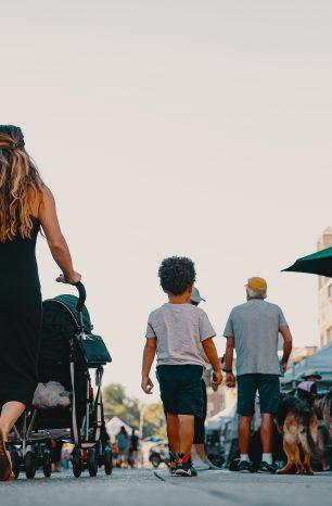 Comment voyager en famille sans être encombré ?